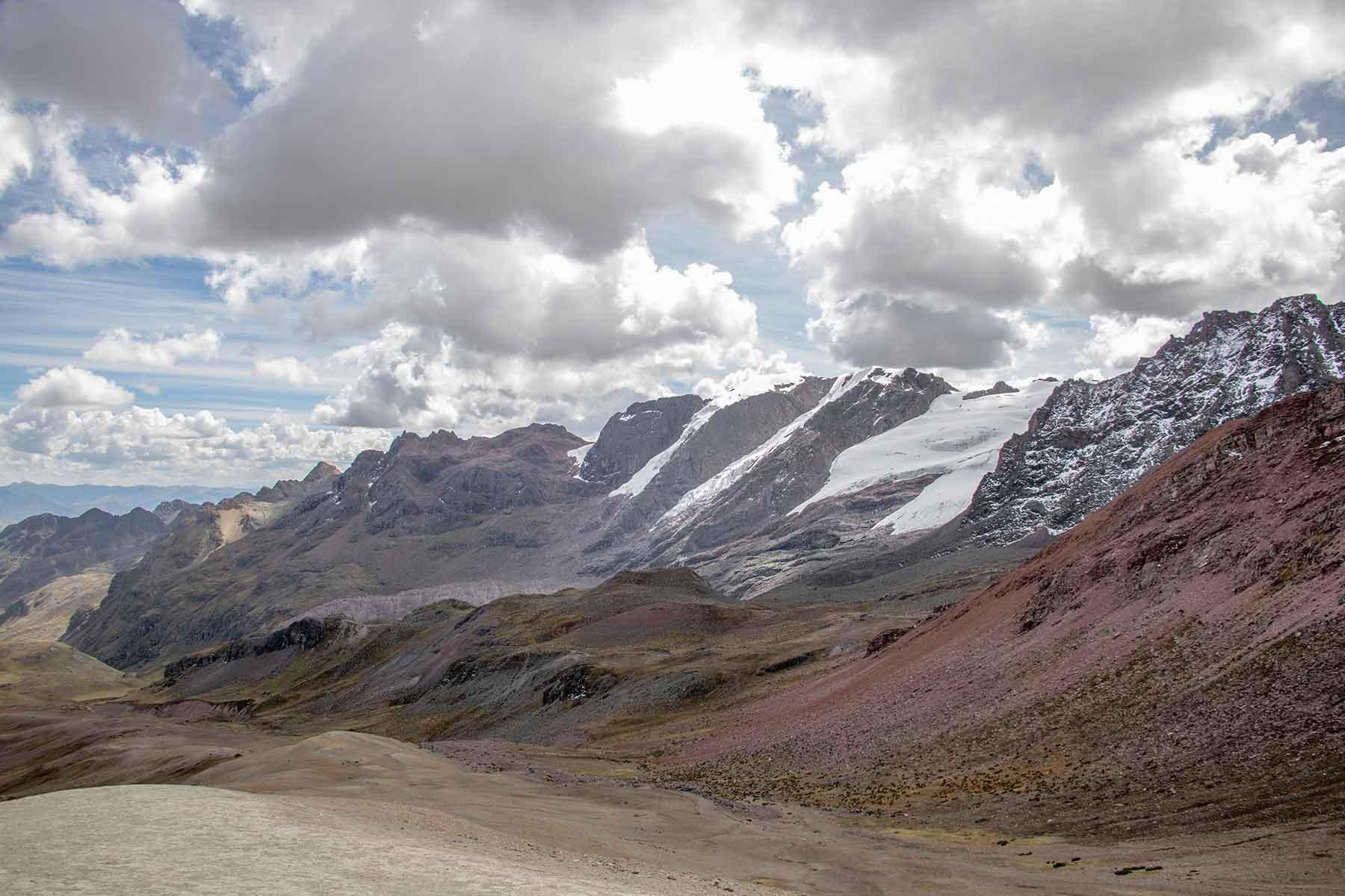 rainbow mountain trek peru Quechuas Expeditions (1)