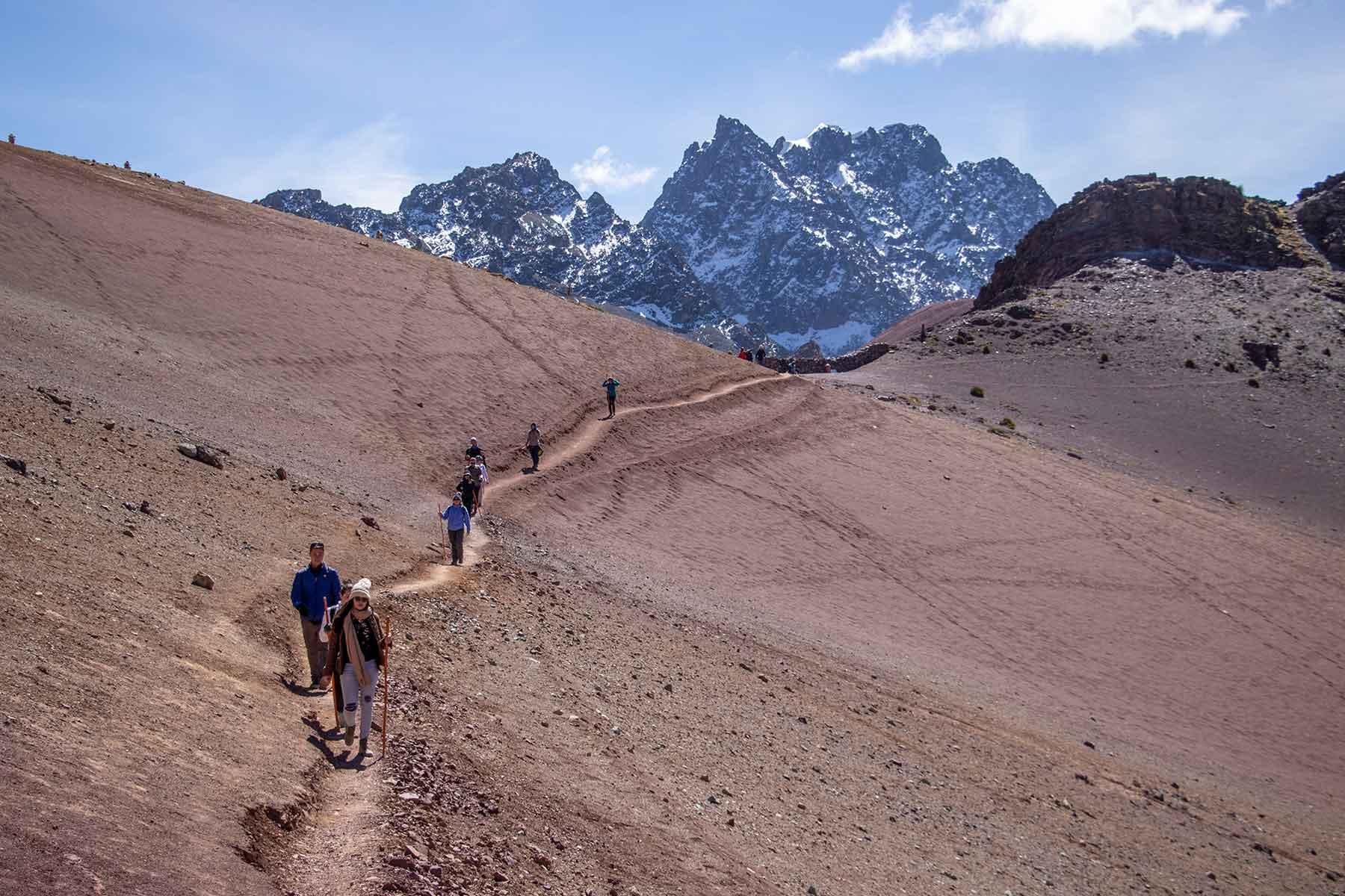 rainbow mountain trek peru Quechuas Expeditions (4)