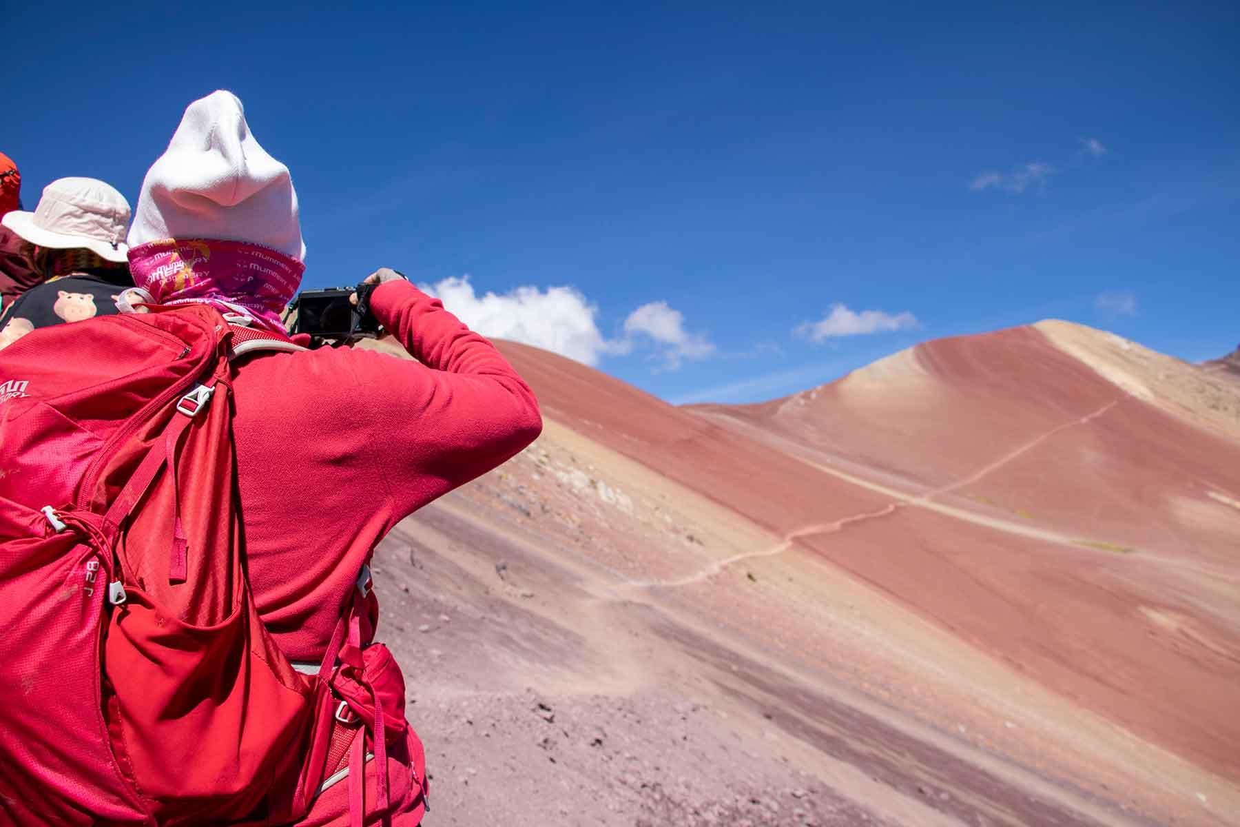rainbow mountain trek peru Quechuas Expeditions (6)